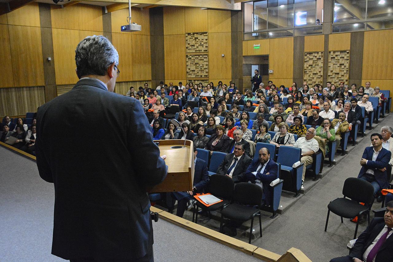 Escuela de Contador Público y Auditor realizó seminario sobre tributación